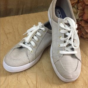 Keds striped memory foam lace up sneakers SZ 6.5